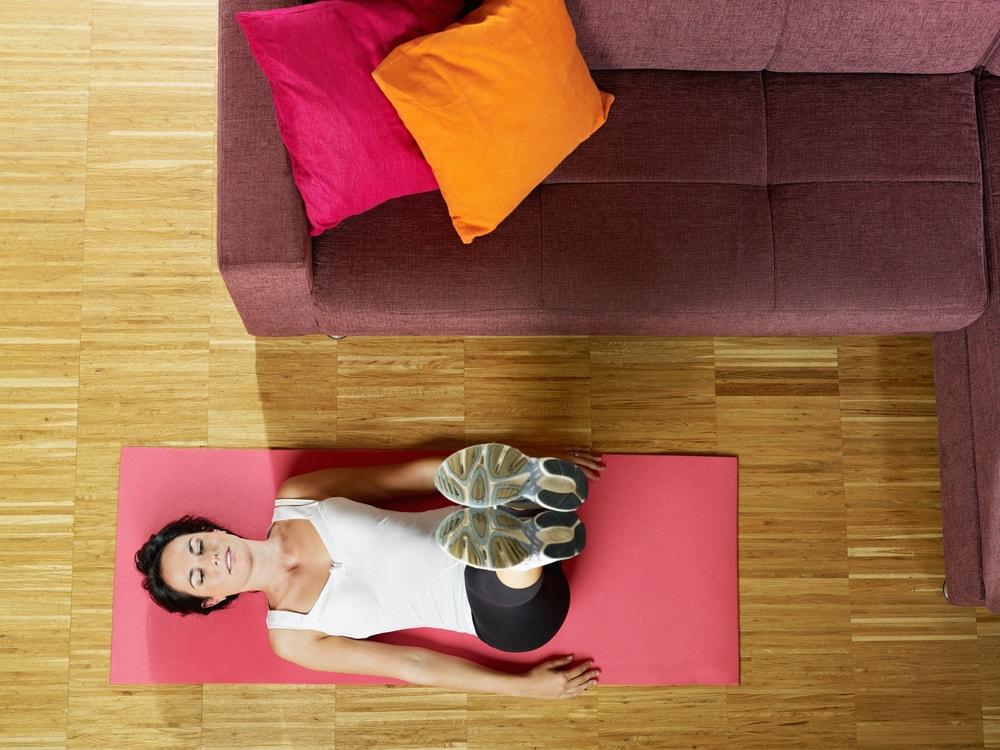 Ejercicios para bajar de peso en casa y sin aparatos